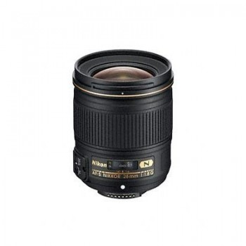 NIKON D5600+18-105 VR +FT+SD 16GB